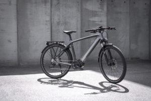Triumph lança-se no negócio das Bicicletas Elétricas com a Trekker GT thumbnail