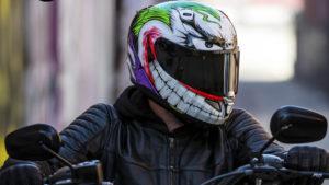 HJC RPHA 11: o sinistro capacete do Joker thumbnail