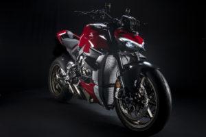 A Streetfighter V4 ainda mais extrema com os acessórios Ducati Performance thumbnail