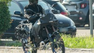 """Apanhada"" em testes… uma nova Yamaha Ténéré GT? thumbnail"