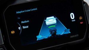 Técnica: O 'cruise-control' adaptativo da nova Ducati Multistrada V4 thumbnail