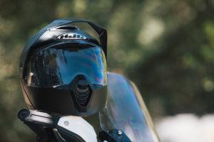 HJC revela novos capacetes: 2021 é o ano do carbono! thumbnail