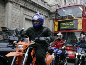 Reino Unido – Projeto-lei de Descarbonização não inclui motos e scooters thumbnail