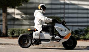 BMW – 'Concept' Definition CE 04, um novo conceito de mobilidade thumbnail