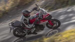 A gama da Pirelli dedicada à nova Ducati Multistrada V4 thumbnail