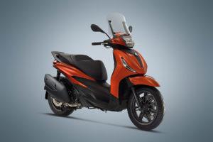 Piaggio revela novas Beverly 300 e 400 2021 thumbnail