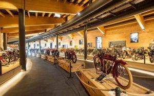Museu de motos clássicas consumido pelo fogo na Áustria thumbnail