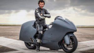 Guy Martin e Hayabusa – Objetivo: 482 km/h nas asas do Falcão Peregrino thumbnail