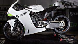 KTM revela protótipo de desportiva de 890cc thumbnail