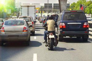 França – Circulação entre filas posta em causa, FFMC reage! thumbnail