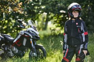 Ducati Smart Jacket: o colete com airbag e tecnologia Dainese D-air® thumbnail