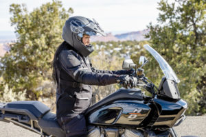 Harley-Davidson e REV'IT! parceiras na nova linha Adventure Touring thumbnail