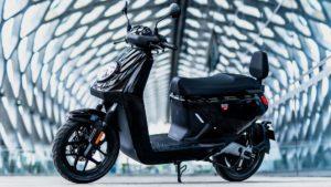 NIU MQi GT 2021: Uma nova e-scooter com bateria removível thumbnail
