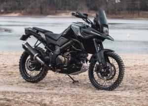 "Suzuki 1050 V-Strom ""Dark Rally"": Com espírito d'Aventura thumbnail"