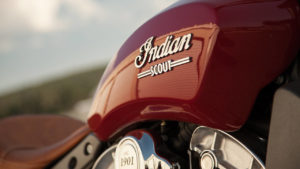 Indian Scout Rogue no horizonte da marca americana thumbnail