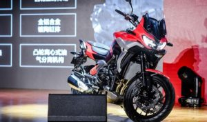 Zongshen Cyclone RX6: A adventure chinesa com motor Norton thumbnail
