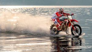 Aventura: Travessia do Estreito de Messina anulada pela ondulação thumbnail