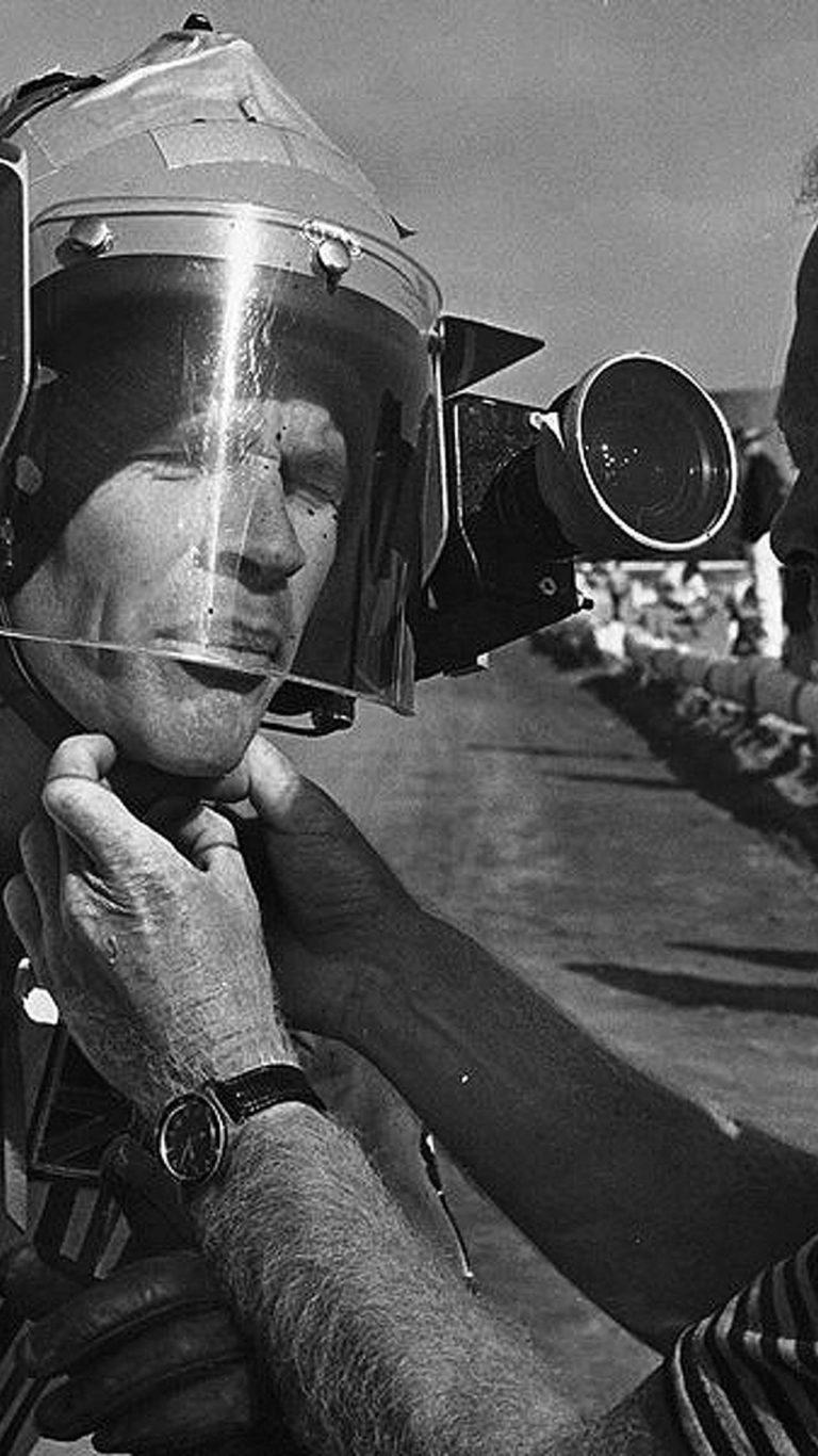 [Imagem: on-any-sunday-1971-moto-movie-review-11-768x1366.jpg]