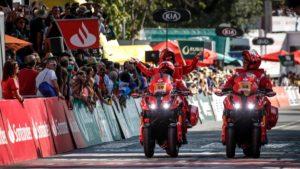 Yamaha Niken é a moto oficial da Volta a Portugal thumbnail