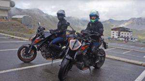 As gémeas Cardoso distinguidas com o 'Ultimate Duke Rider' thumbnail
