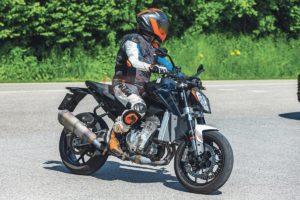 KTM Duke 990 pode ser a resposta ao Euro 5b thumbnail