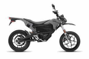 Zero FXE: Uma elétrica retro e ligeira para offroad? thumbnail