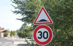 30 km/h é agora norma em muitas cidades de França thumbnail