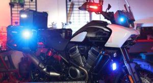 Harley-Davidson Pan America veste o uniforme LAPD thumbnail