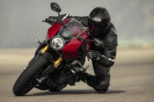 Triumph Speed Triple 1200 RR: A mais poderosa! thumbnail