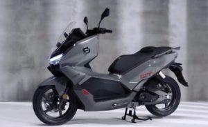 Super Soco CT Titan: A scooter elétrica topo de gama thumbnail
