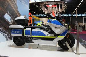 BMW apresenta CE 04 e F 900 XR em versão policial thumbnail